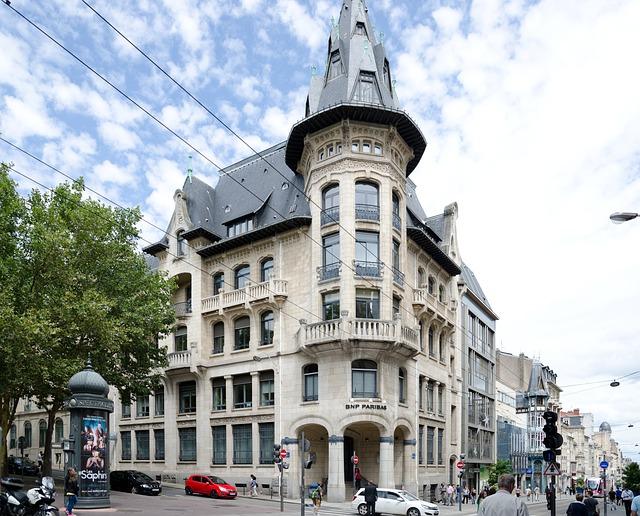 En moyenne quel est le prix au m2 en location à Nancy ?