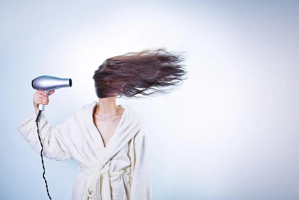 Les avantages d'acheter un sèche-cheveux